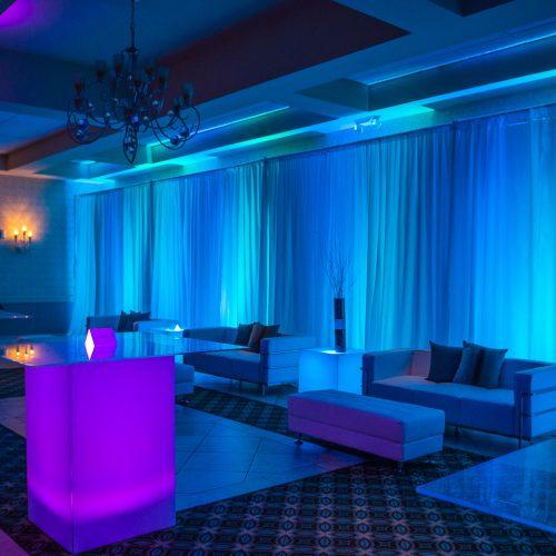 Trendy Lounge & Decor